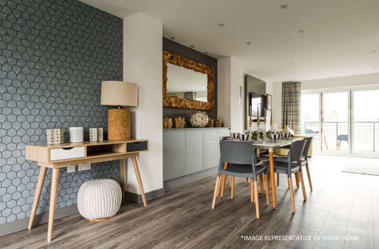 Taw Wharf Dining Table